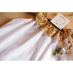 Les robes à col volanté